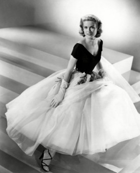 gracekelly-rearwin_3003813a