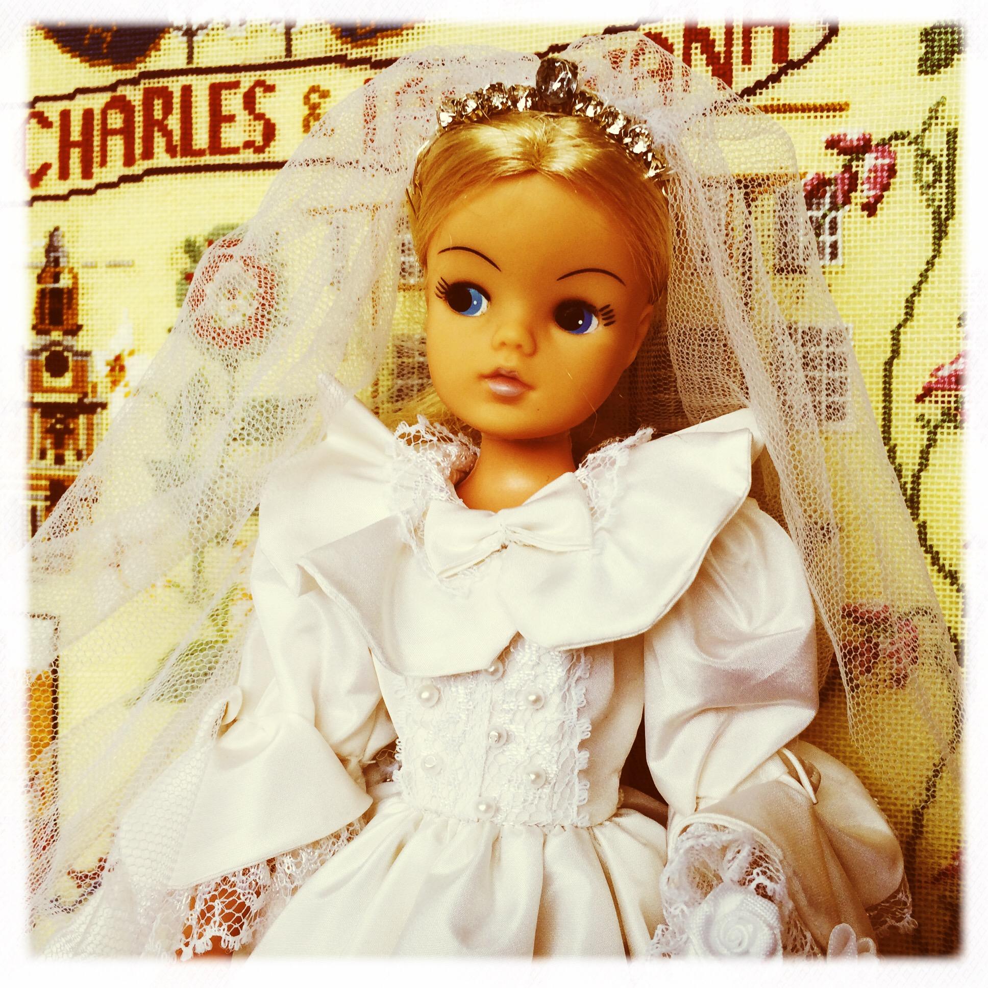 vintage wedding dress   Dinah\'s Dolls